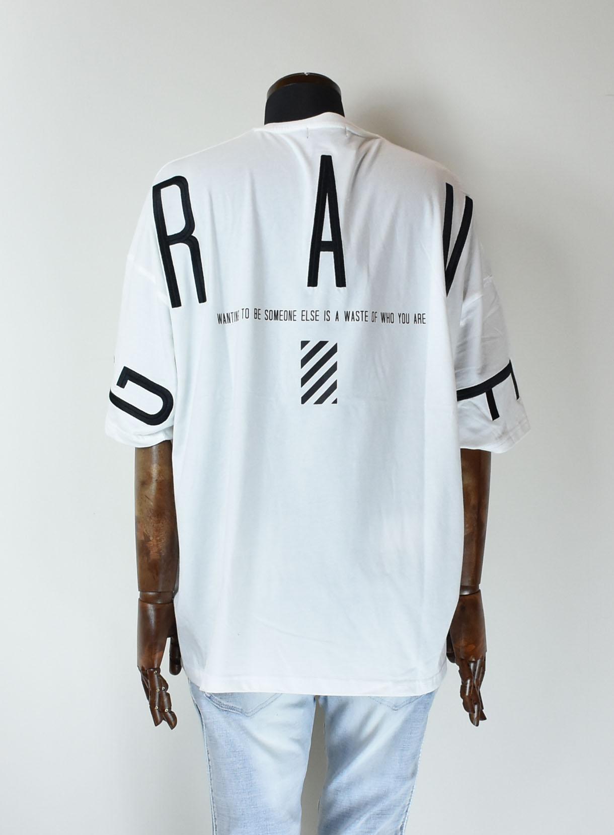 バック刺繍BIGTシャツ