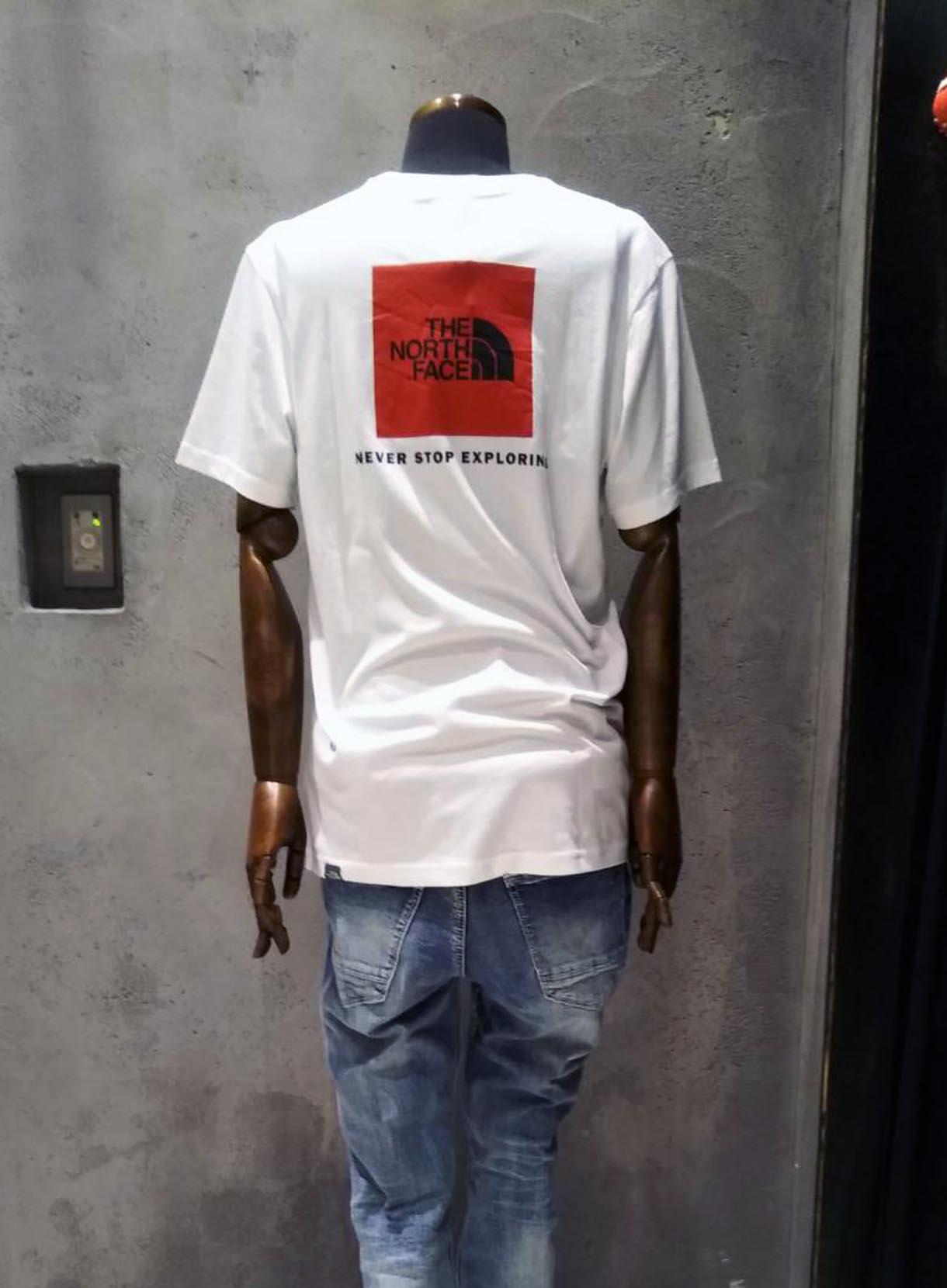 THE NORTHFACE レッドボックスTシャツ