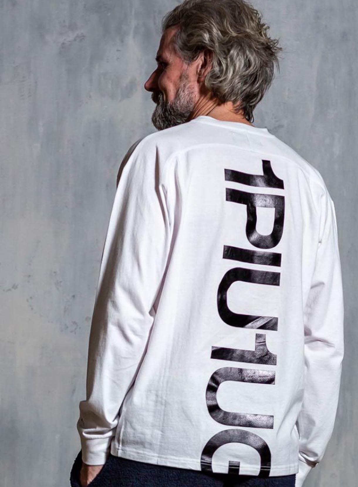1PIU1UGUALE3 RELAX(ウノピゥ) バックプリントビッグロングTシャツ