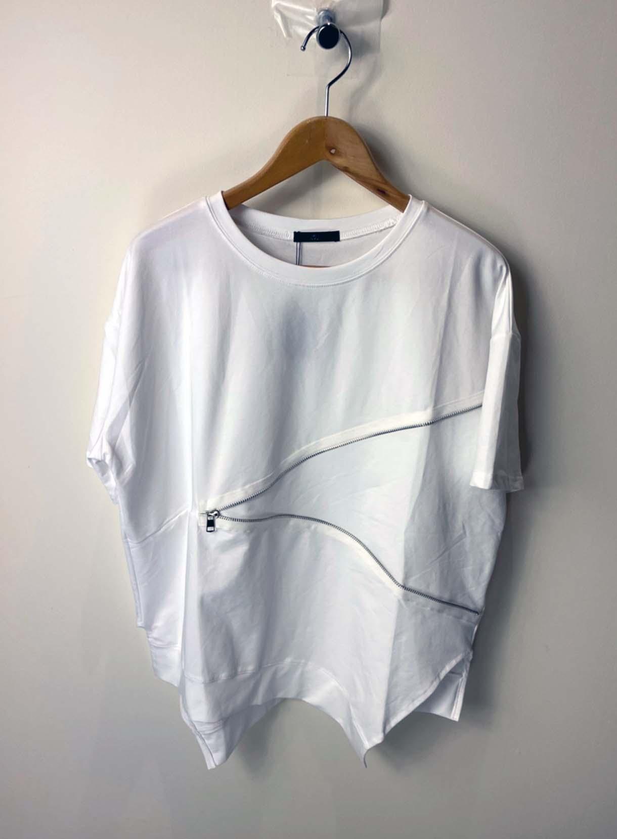ZIP付きTシャツ