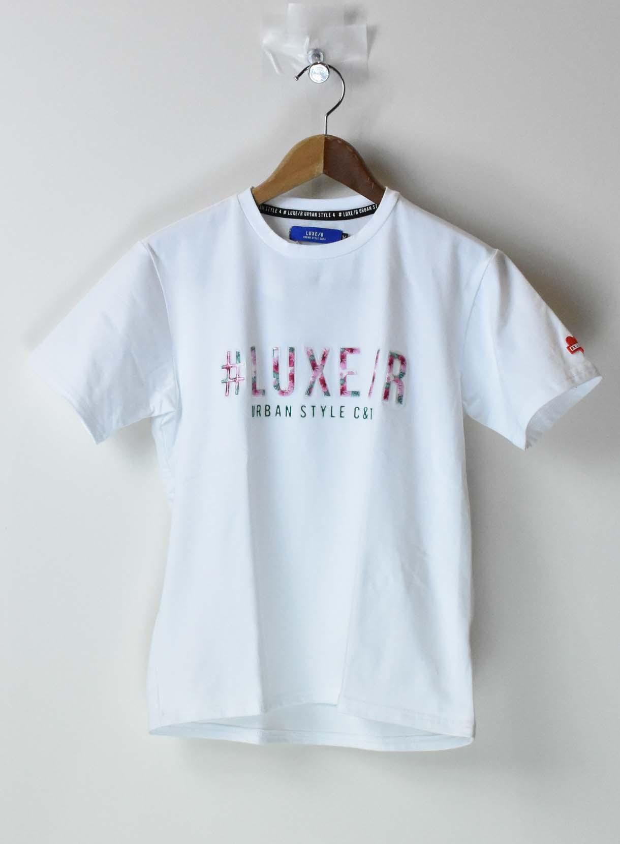 LUXE 3DフラワーロゴTシャツ